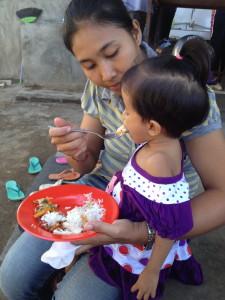 Sinta feeding Lina